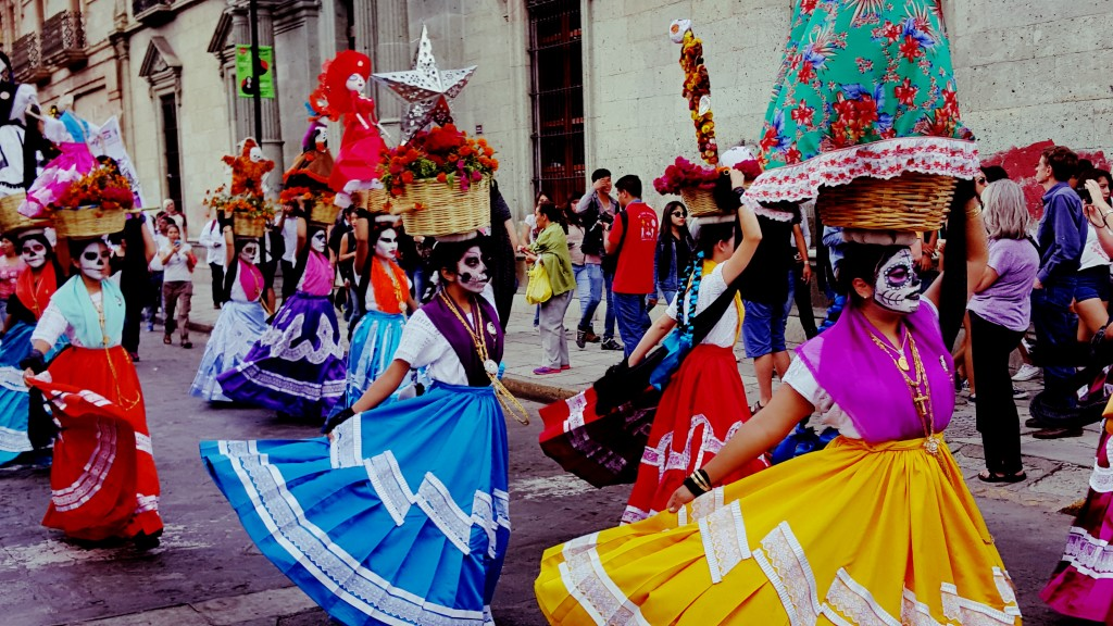 valle de la pascua single hispanic girls Where argentina's capital city of buenos aires sits along the río de la  isla de pascua) and  of chile or pc [guillermo teillier del valle],.