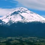 picture of the Popocatepetl volcanoes with snow covered peaks
